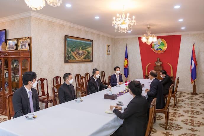Prince Group Chairman donates $1M to help Laos